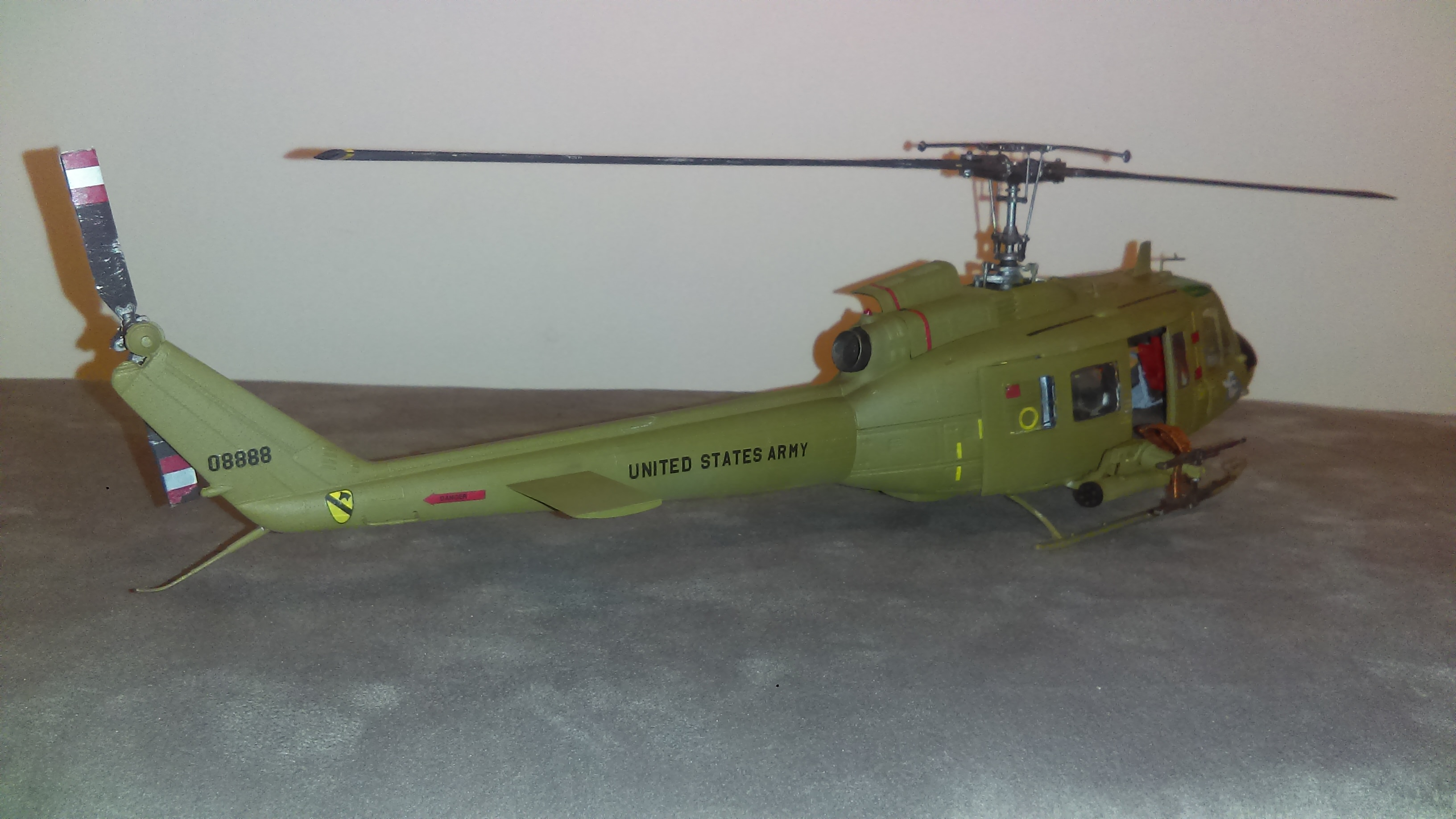 revell 1 32 uh 1d review