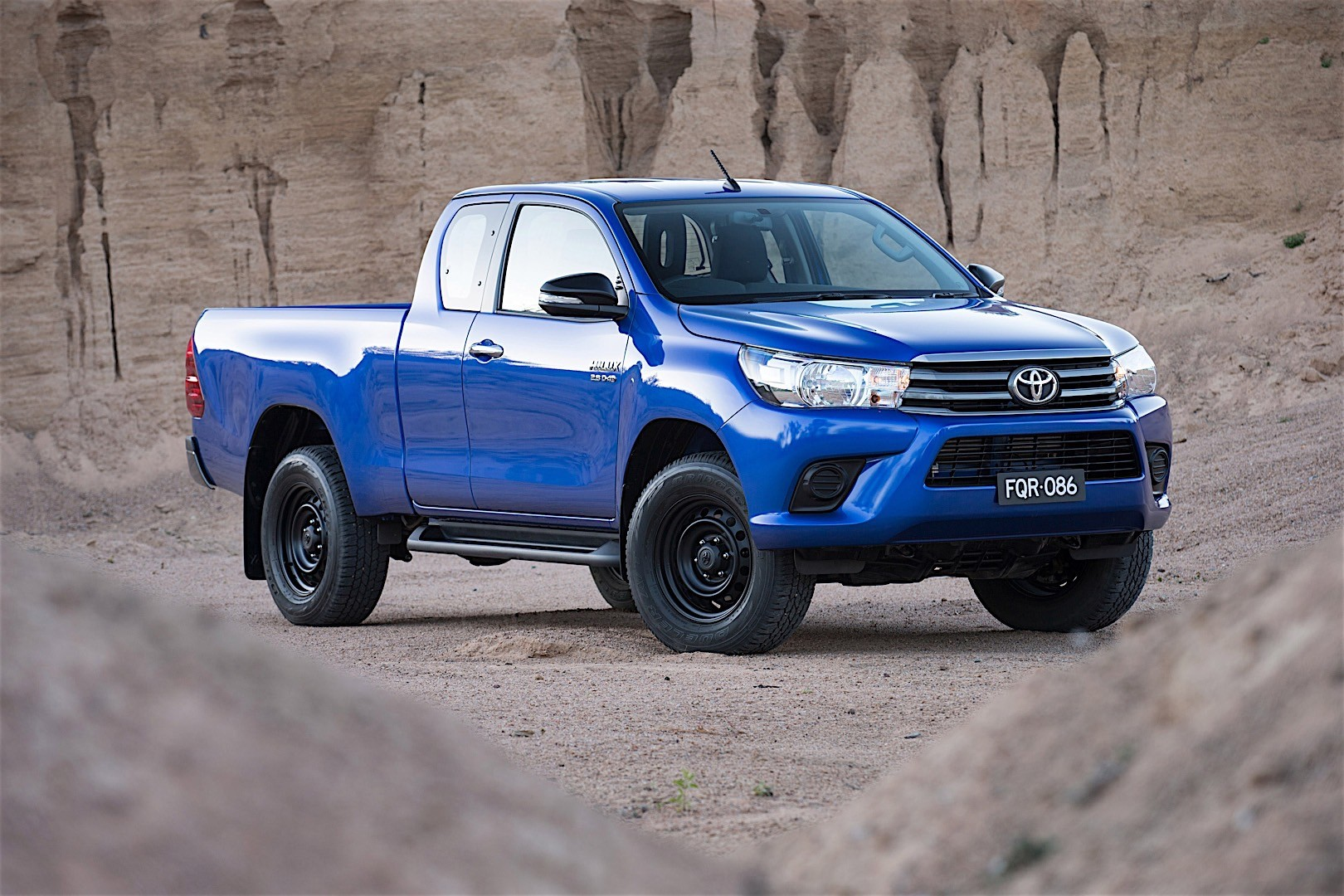 toyota hilux extra cab review