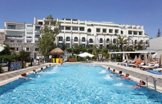 royal inn beach hotel reviews