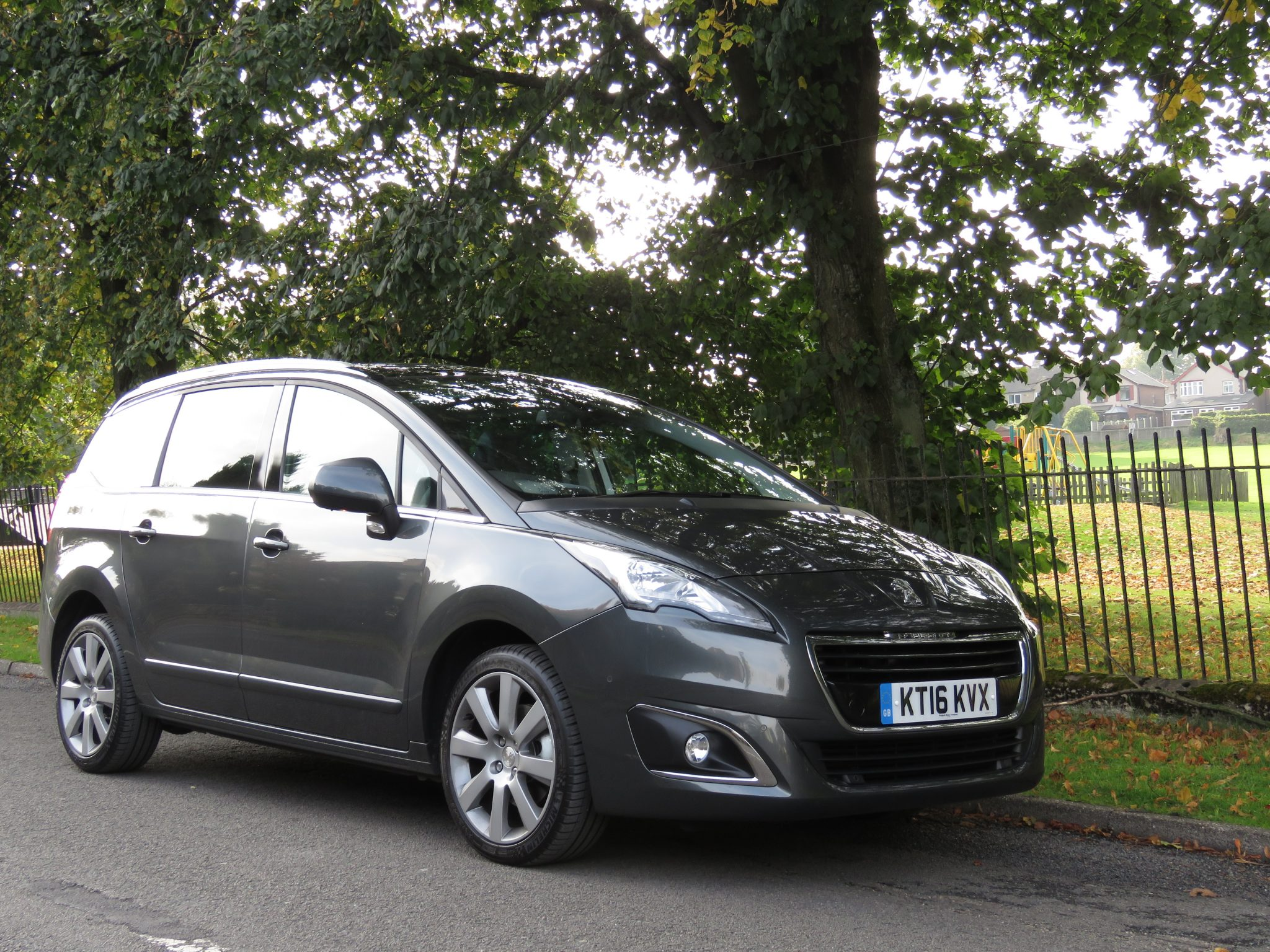 peugeot 5008 7 seater review