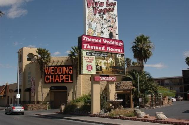 viva las vegas wedding reviews
