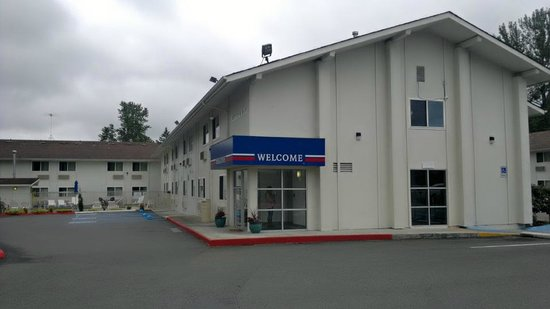 motel 6 seattle airport reviews