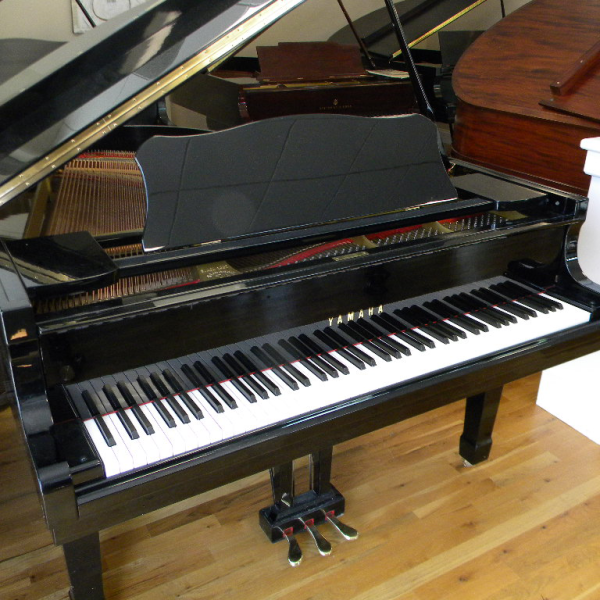 yamaha gh2 grand piano review