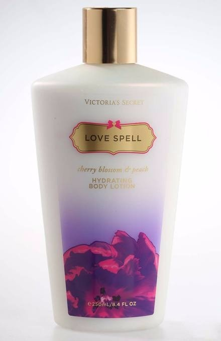 victoria secret love spell lace review