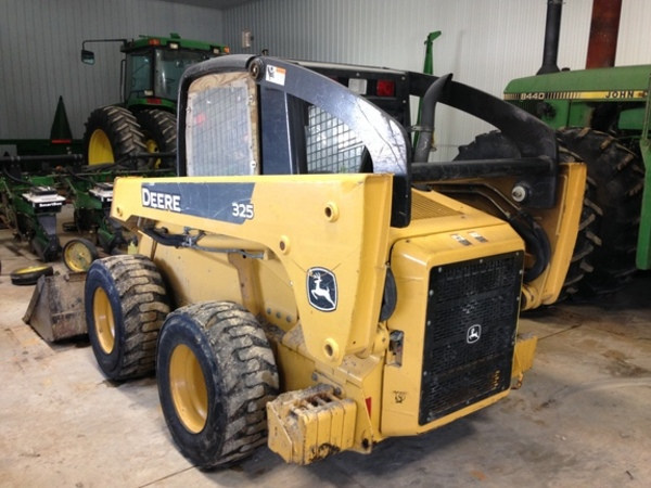 john deere 325 skid steer reviews
